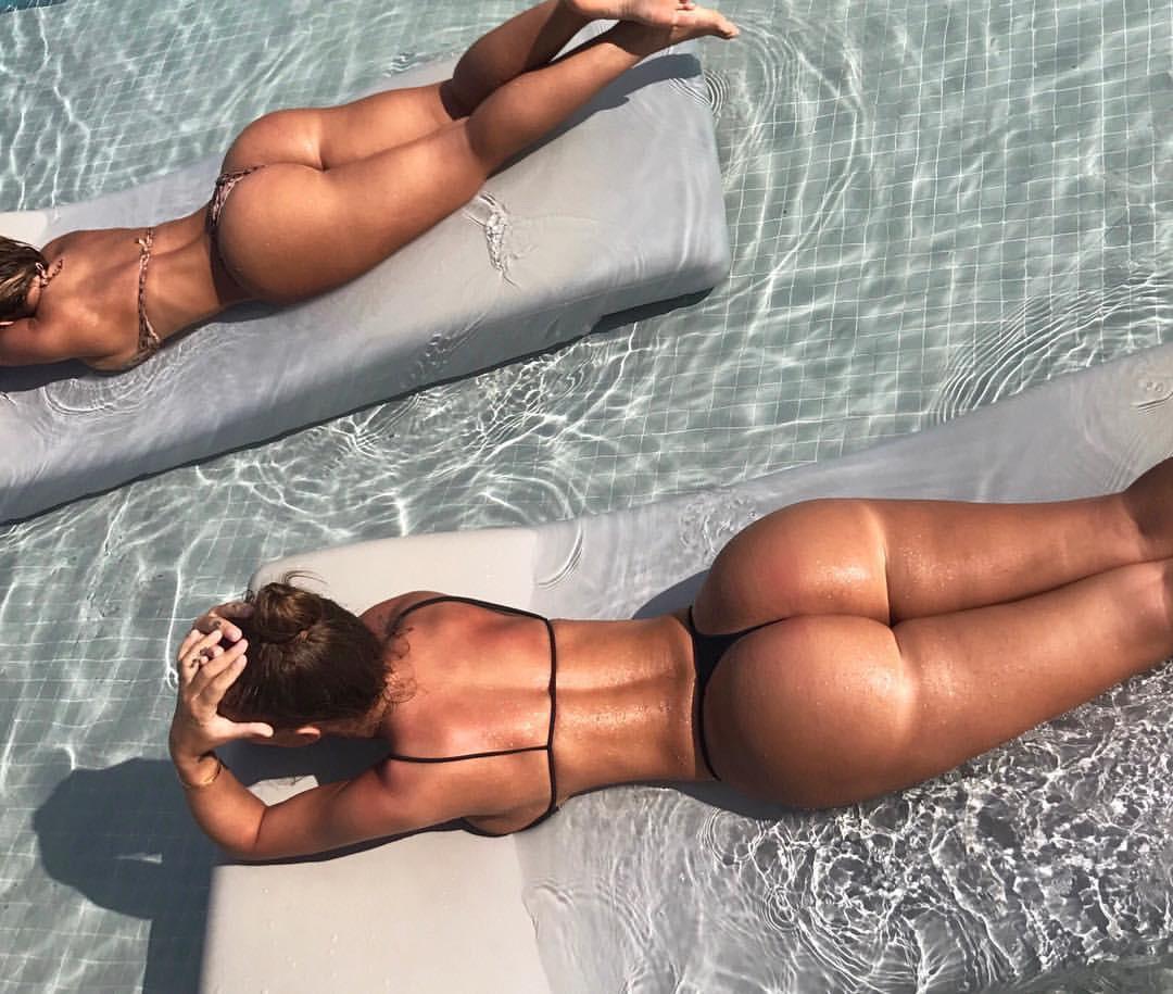 lauren-gottlieb-sexy-nude-back-side-bikini